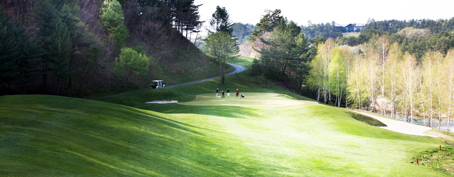 Yongpyong Golf Club Kangnaru HOLE 2 : PAR 3 HDCP 6