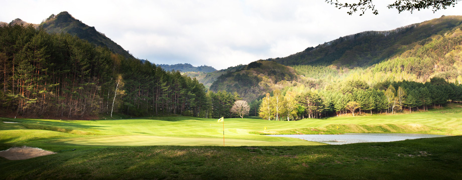 Yongpyong Golf Club Sanmaru HOLE 8 : PAR 5 HDCP 13
